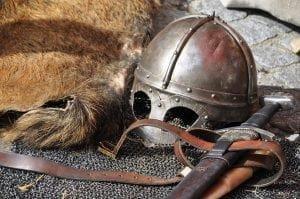 Quelles sont les zones d'affrontement dans les conflits entre les empires carolingien, byzantin et musulman ?